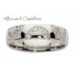 Alliance demi-cercle diamants & or blanc